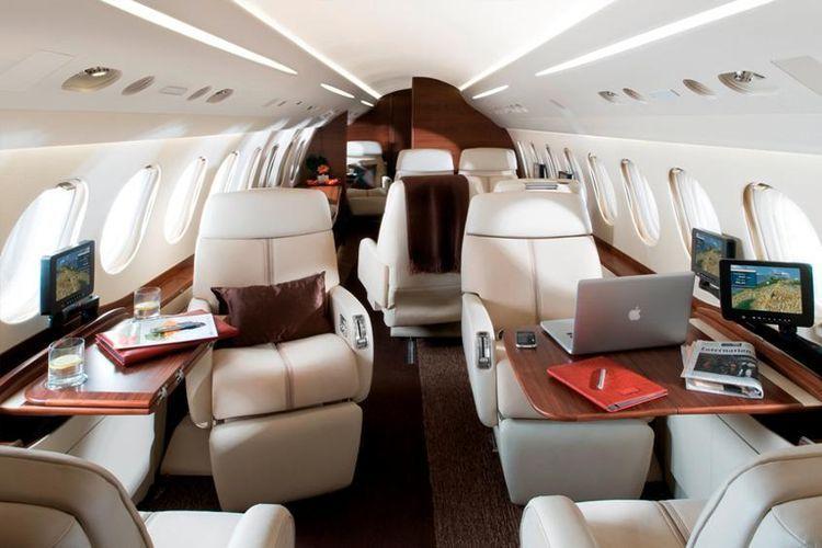 Falcon 7x Private Jet