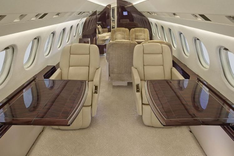 Falcon 900 Private Jet