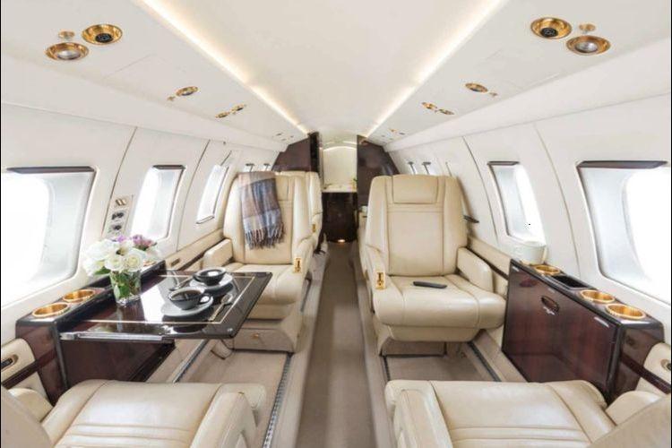 Hawker 800 Private Jet